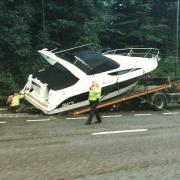 Accident bateau sur la route