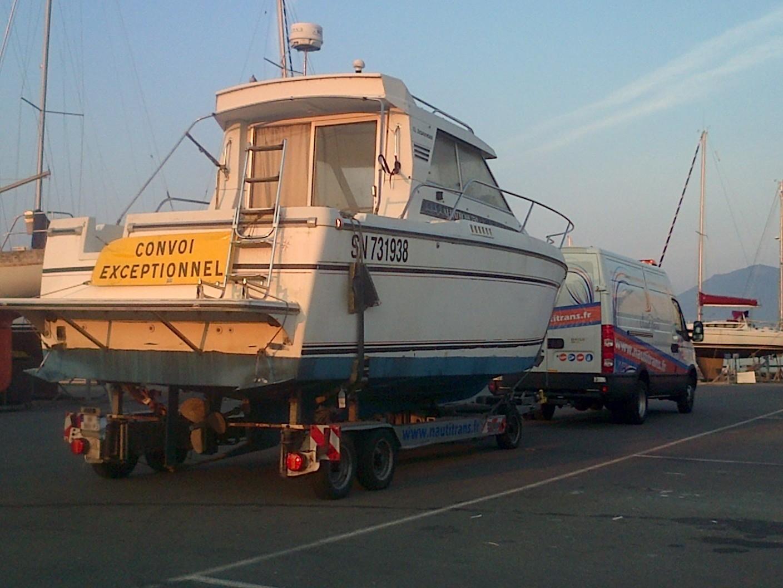 Transport de bateau remorque
